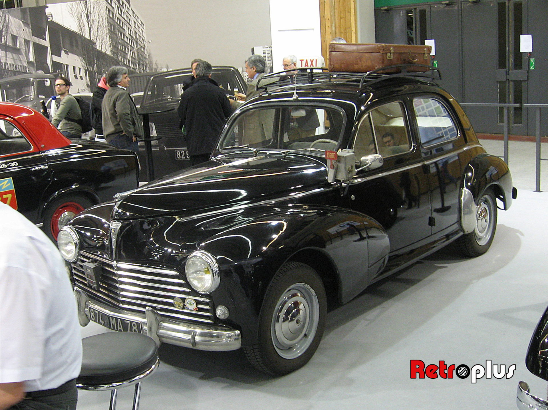 Retromobile2010-Autos-026