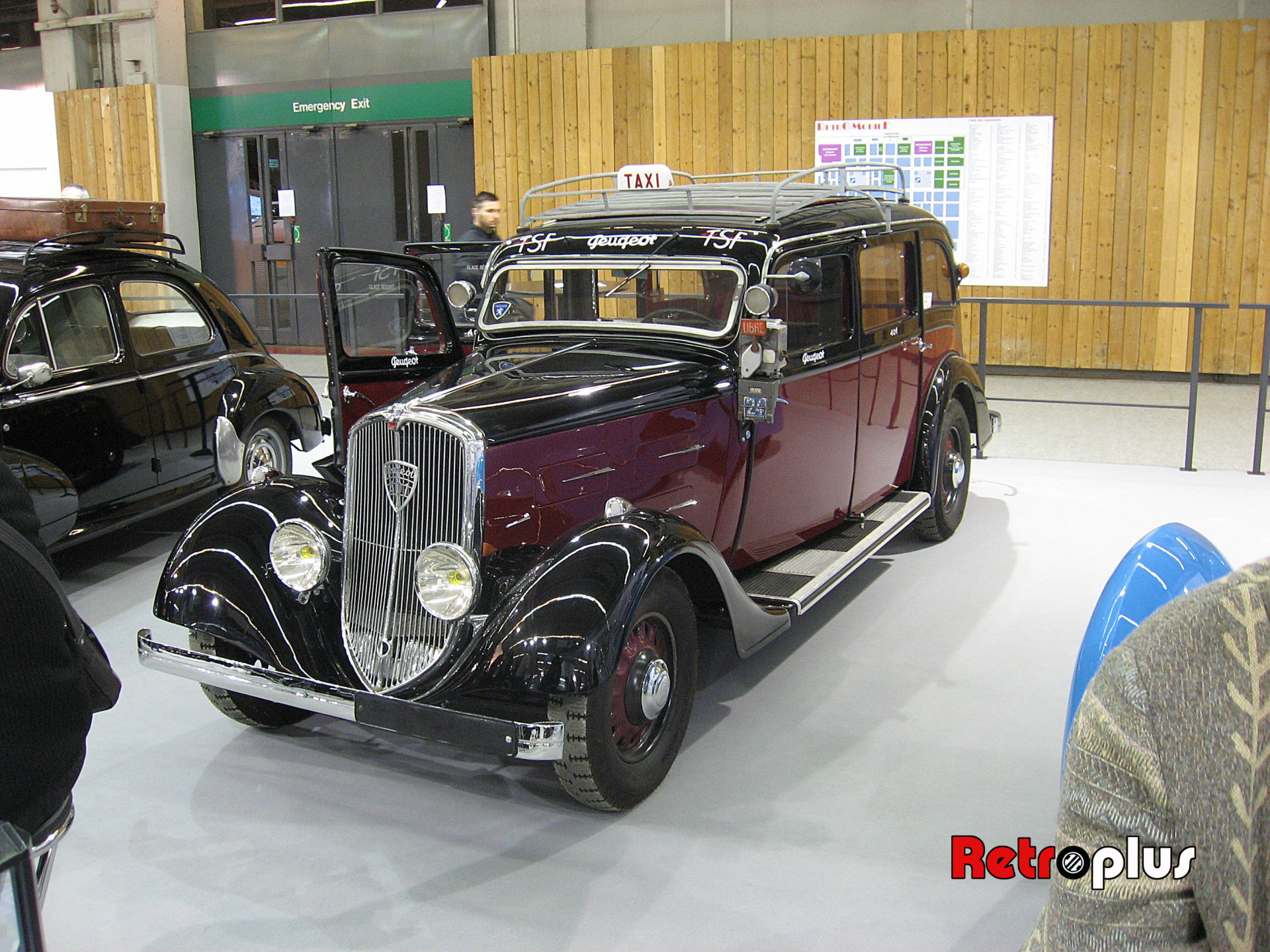 Retromobile2010-Autos-027