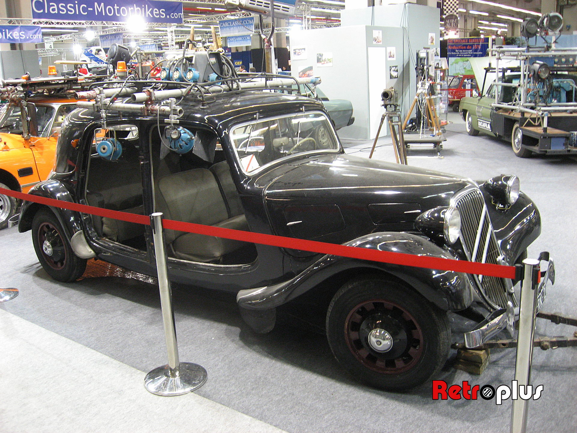 Retromobile2010-Autos-035