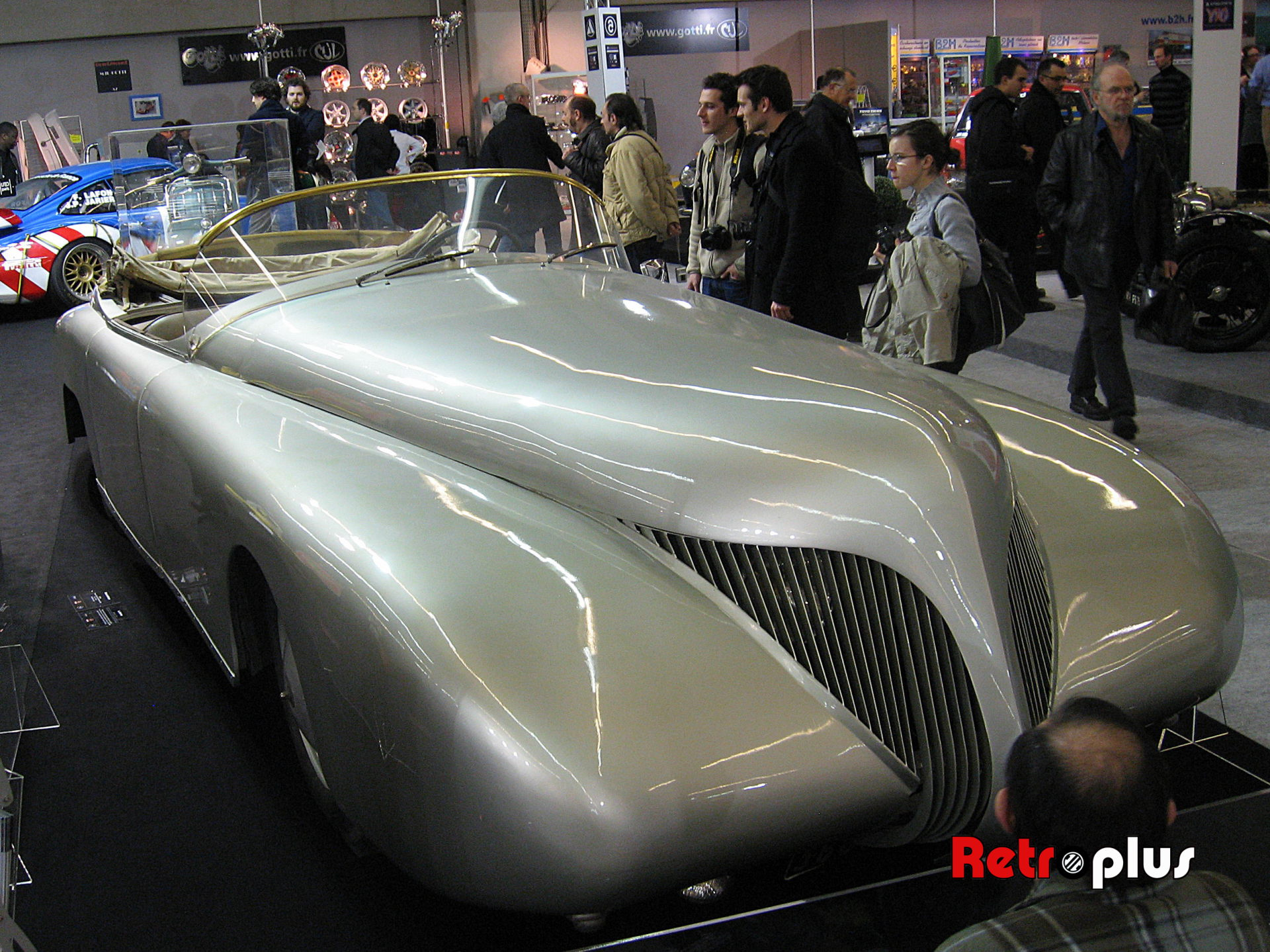 Retromobile2010-Autos-037