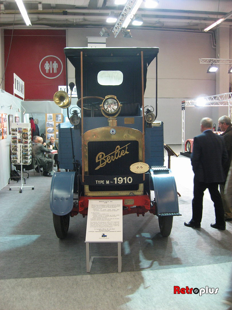 Retromobile2010-Autos-039