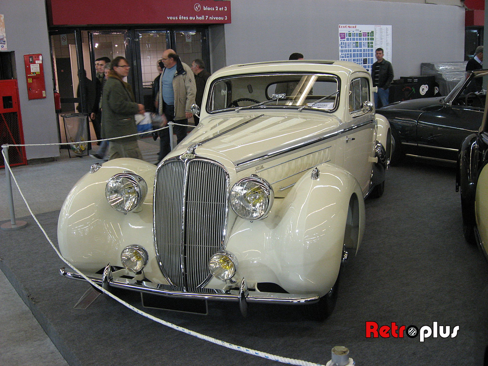 Retromobile2010-Autos-052
